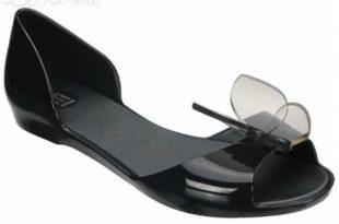 صورة الحذاء في المنام للمتزوجة , تفسير رؤيه الحذاء فى المنام