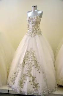 بالصور فساتين اعراس , احدث التصميمات العصرية لفساتين الزفاف 1250 9