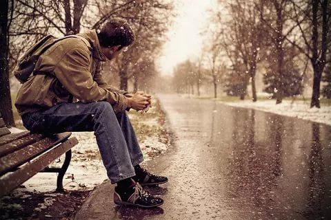 بالصور صور رجل حزين , صور مؤثرة رجال انهكهم الحزن 1251 10