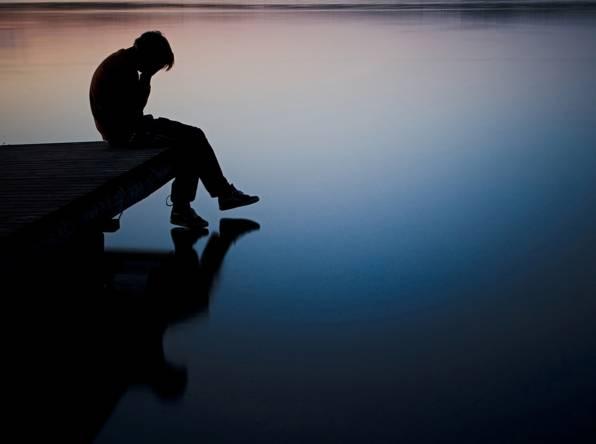 بالصور صور رجل حزين , صور مؤثرة رجال انهكهم الحزن 1251 2