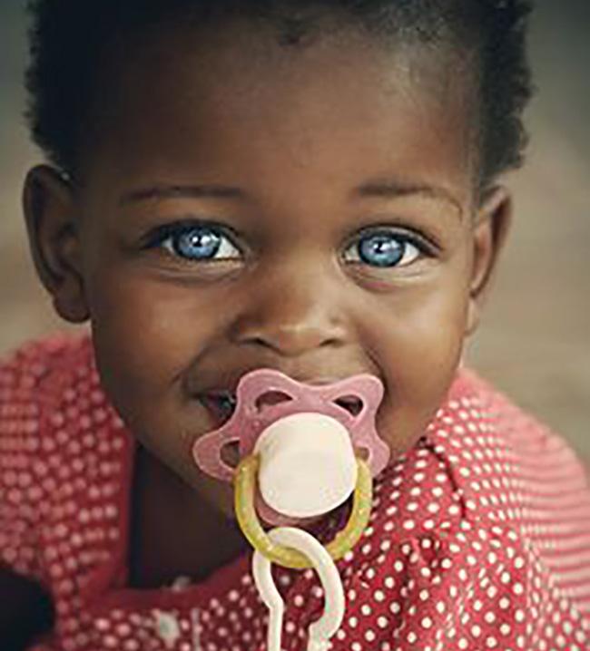 بالصور صور بنت صغيره , صورة رقيقة وجذابة لفتاة صغيرة سمراء 381 16
