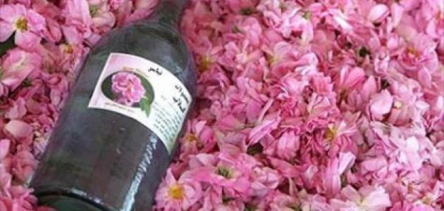 بالصور ماء الورد للشعر , طريقة استخدام ماء الورد للشعر 533 1