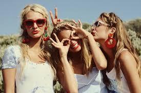 بالصور صور فتيات صديقات , اجدد تصميمات صور عن الصديقات الفتيات 8601 1