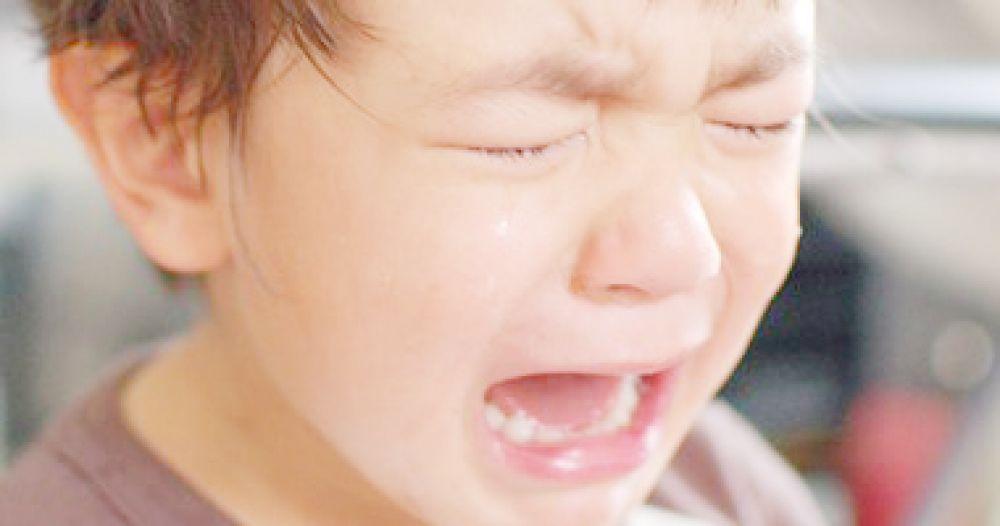 صورة سبب بكاء الطفل الرضيع وهو نائم , اسباب البكاء اثناء النوم لدى الاطفال الصغار 8619 2