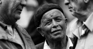 بالصور العجوز في المنام , رؤية شخص عجوز فى الحلم 8846 3 310x165