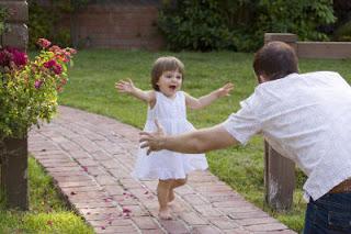 بالصور صور اب وبنته , اروع صورة للاب مع ابنته 8881 5