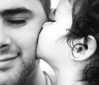 بالصور صور اب وبنته , اروع صورة للاب مع ابنته 8881 9