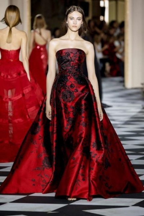 بالصور فساتين سهرة حمراء , شاهد شياكة الفستان الاحمر 10986 10