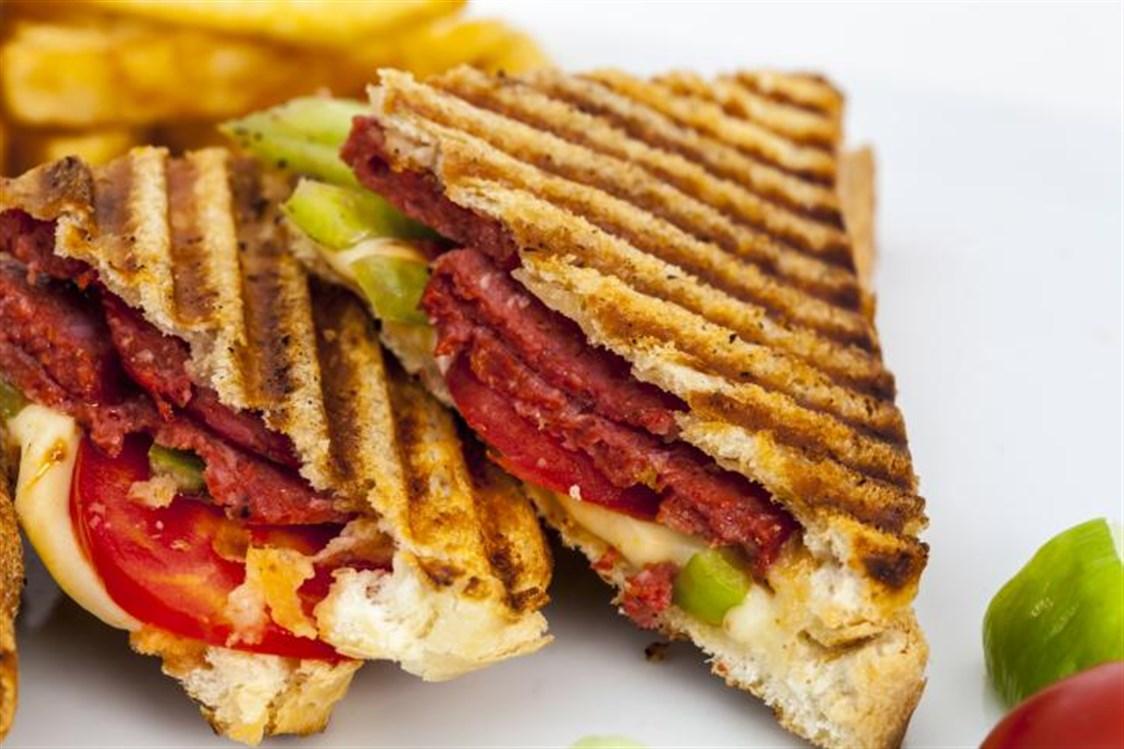 صورة طريقة عمل اكلات بالتوست بالصور , طرق لذيذة لعمل اكلات مختلفة من خبز التوست 8479 4