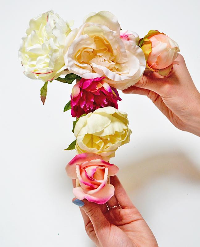صورة حرف t بالورد , اجمل اشكال حرف الانجليزي t مصنوع من الورد