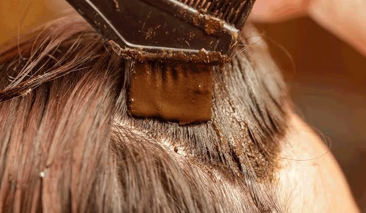 صورة حنة الشعر , مساحيق نباتية مهمة للبنات