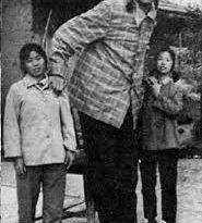 صورة اطول امراة في العالم , لن تتخيل كم يبلغ طولها