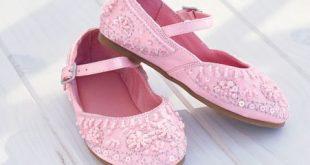 صورة احذية اطفال بنات , ما أجمل أحذية البنات!
